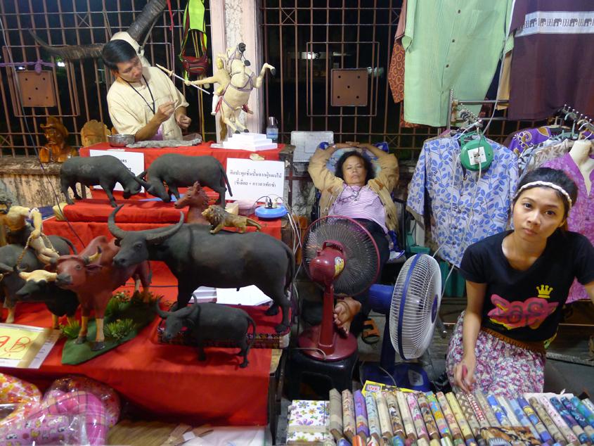 Feelblog - Sunday Walking Street, Chiang Mai  Thailand ...